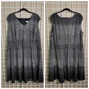 London Times Woman Sleeveless Ombre V-Neck Dress